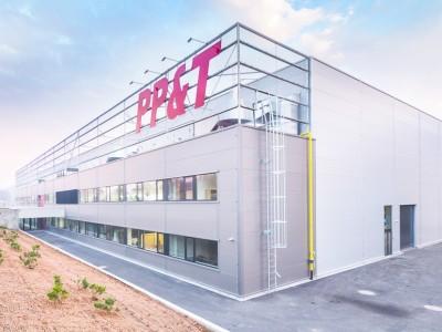 Provozní areál firmy PP&T s.r.o., Demolice stávajících budov a zhotovení stavby, Linhartice