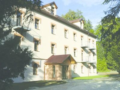 BENT HOLDING, a.s., Rekonstrukce lážeňského domu Božena, Velké Losiny