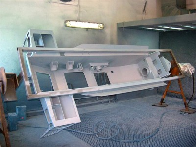 CHASSIS WITH SPRAYING