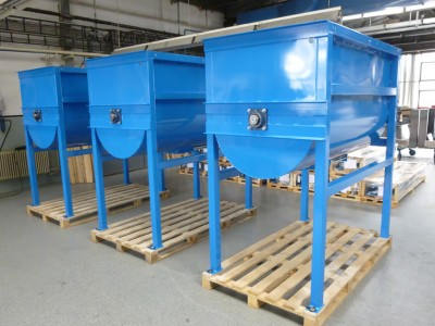 MIXER OF SOIL WITH SPRAYING